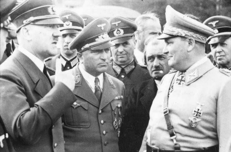Wolfschanze, Hitler, Ley, Porsche und Göring