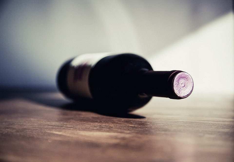şarap şişesi