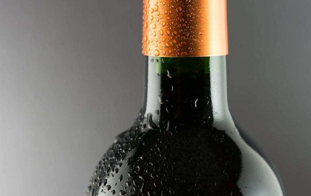 şarap şişesi boynu
