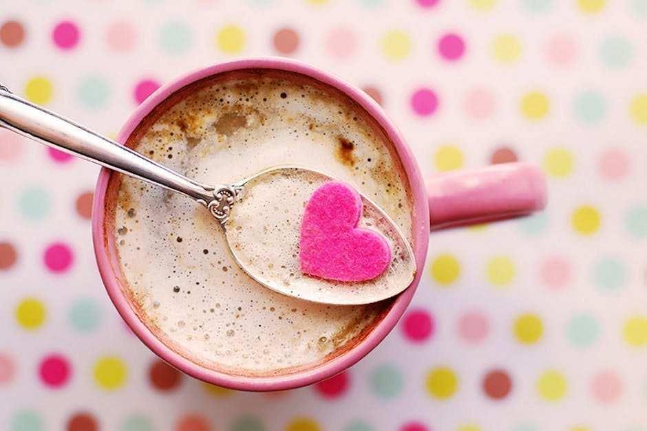 kahve pembe fincan