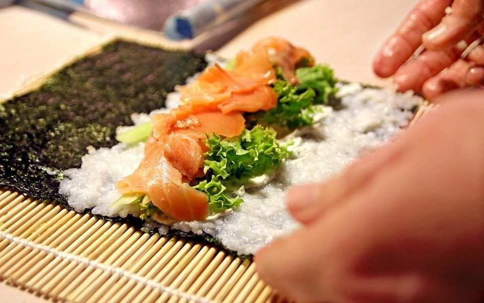 maki sushi yapımı