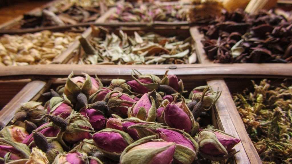 baharat ve çiçek pazarı