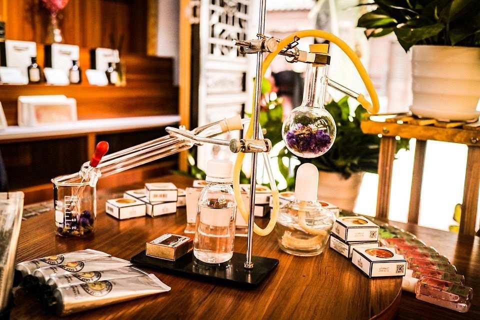 parfüm yapımı damıtma