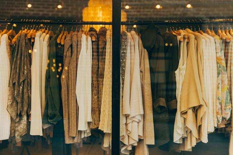 diderot etkisi kıyafet mağazası vitrini