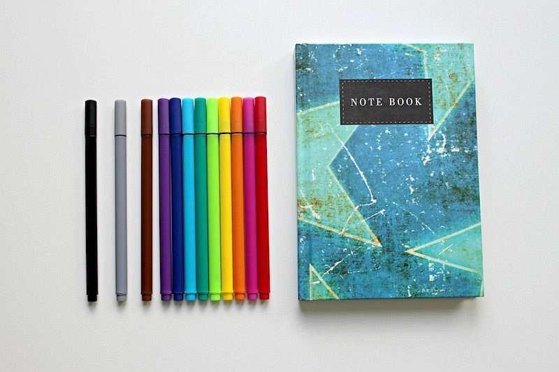 zihin haritası nedir renkli kalemler ve not defteri