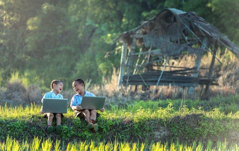 espri yeteneği laptop erkek çocuklar