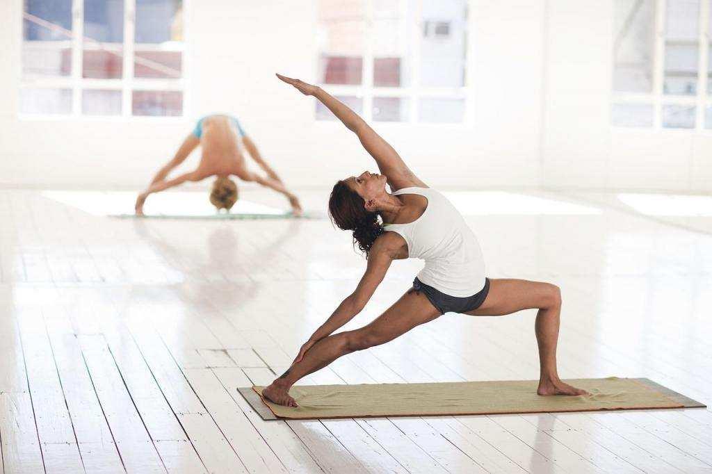 daha mutlu olmak için yoga spor