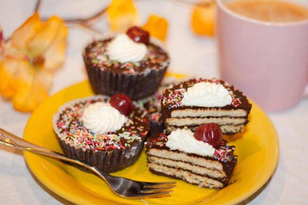 10 dakikada yapabileceğiniz 10 tatlı bisküvili pasta