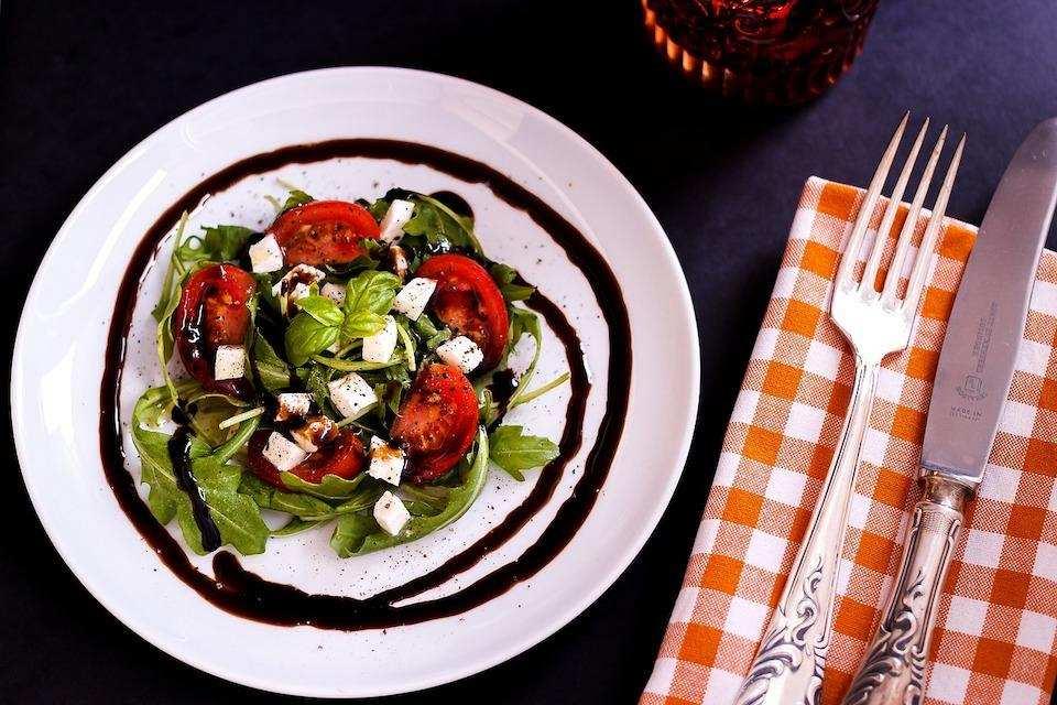 10 dakikada yapabileceğiniz 10 yemek salata
