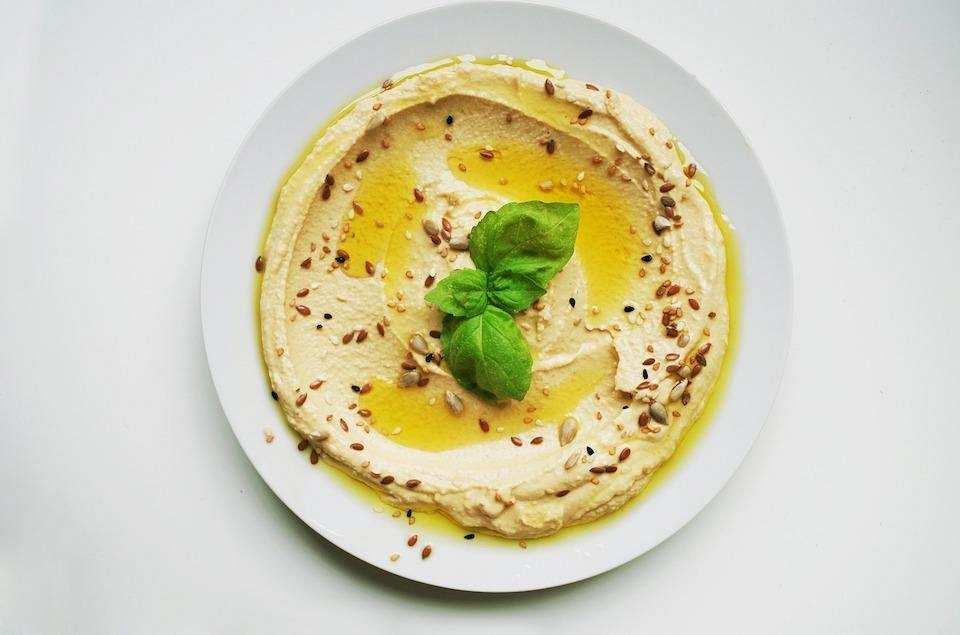 10 dakikada yapabileceğiniz 10 yemek humus