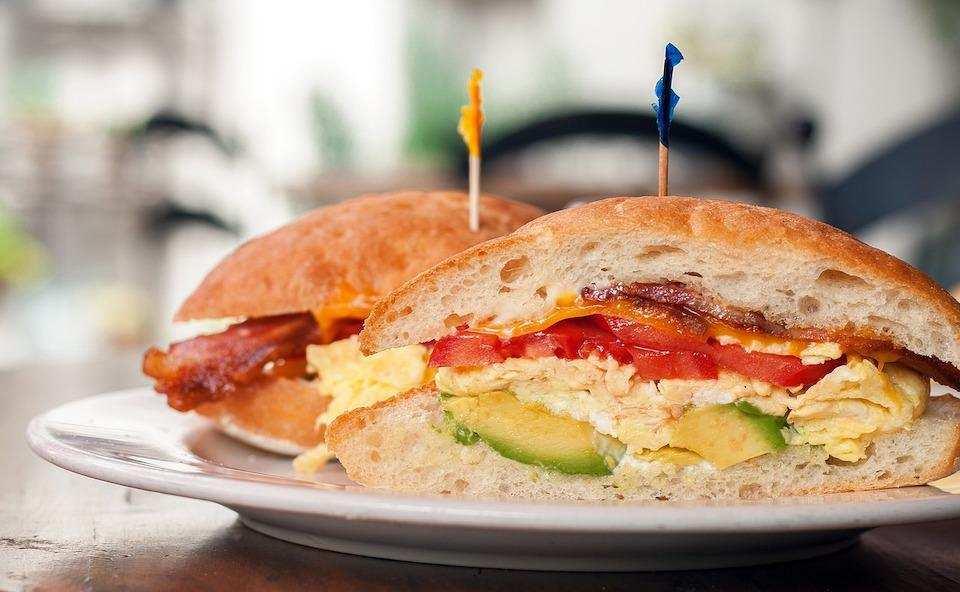 10 dakikada yapabileceğiniz 10 yemek sandviç