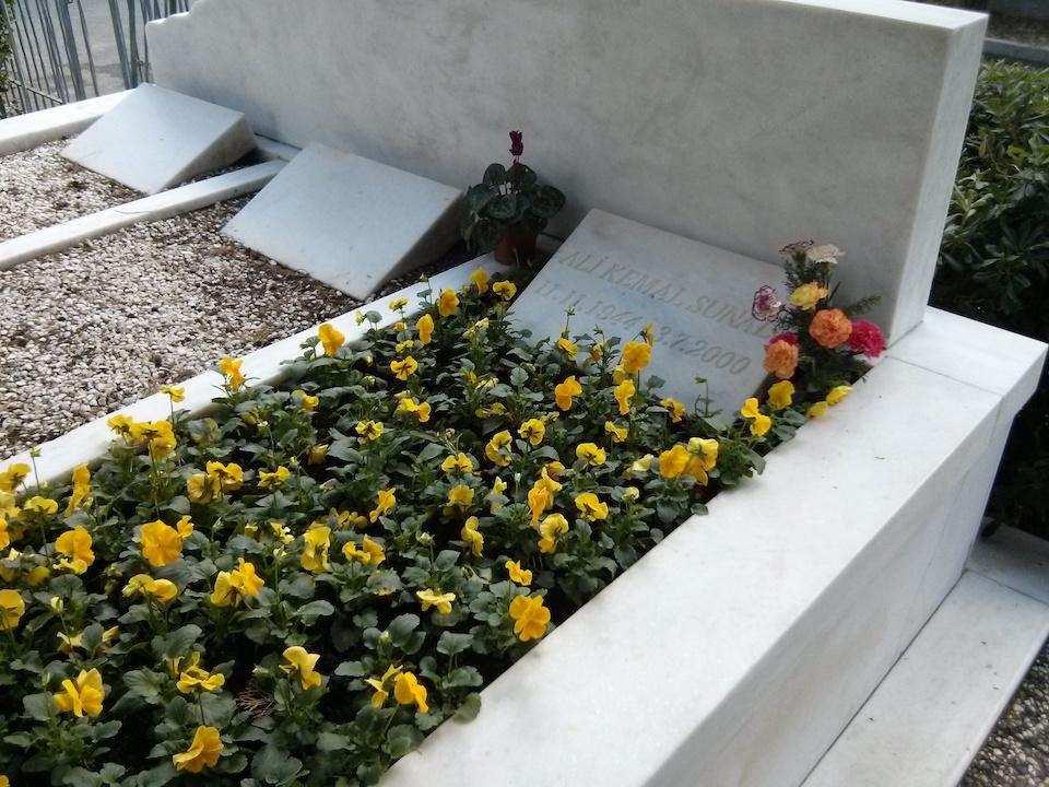 kemal sunal mezarlık