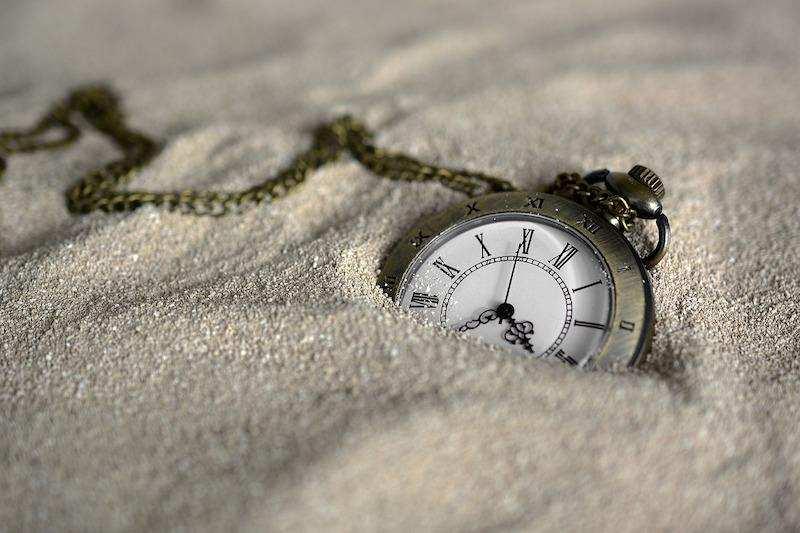 başarıyı engelleyen düşünce kalıpları saat kum