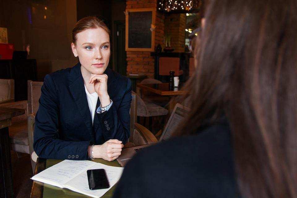 iş görüşmesi nasıl yapılır kadın görüşme