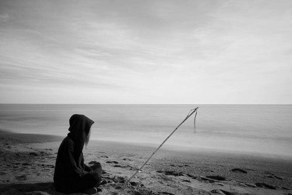 karamsarlık sahil yalnızlık