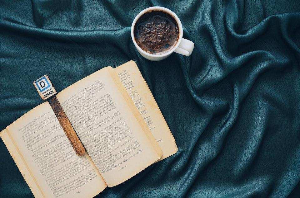 batı edebiyatında akımlar kitap kahve