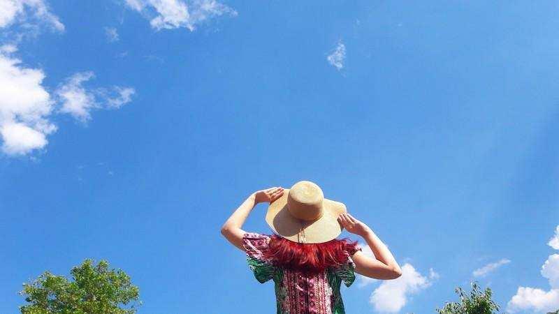 pozitif değişim kadın şapka gökyüzü