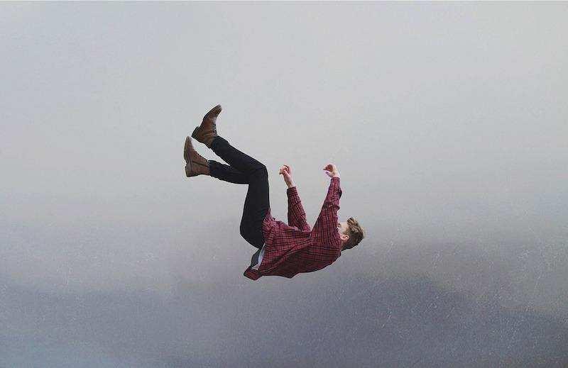 düşmek erkek sis