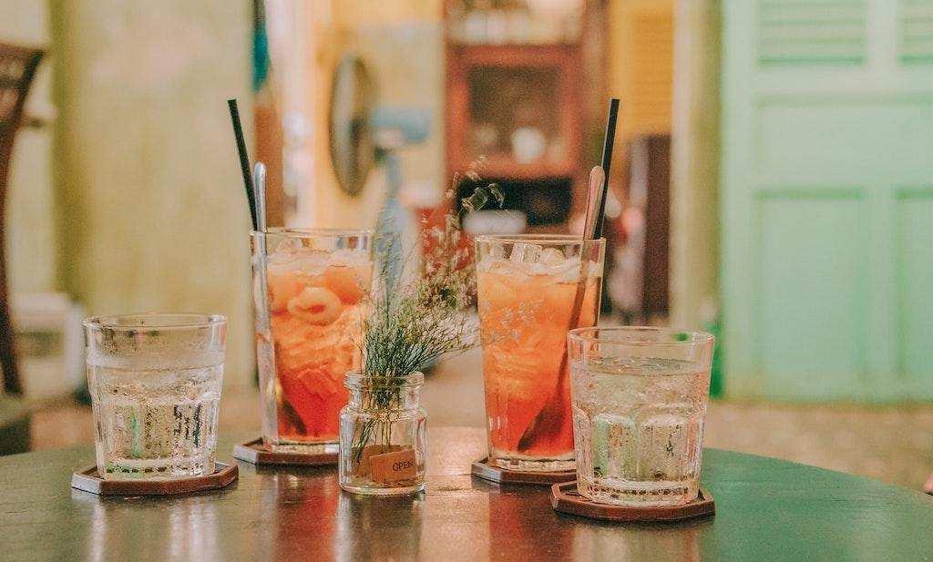 kolay kokteyl tarifleri bardaklar su kokteyl