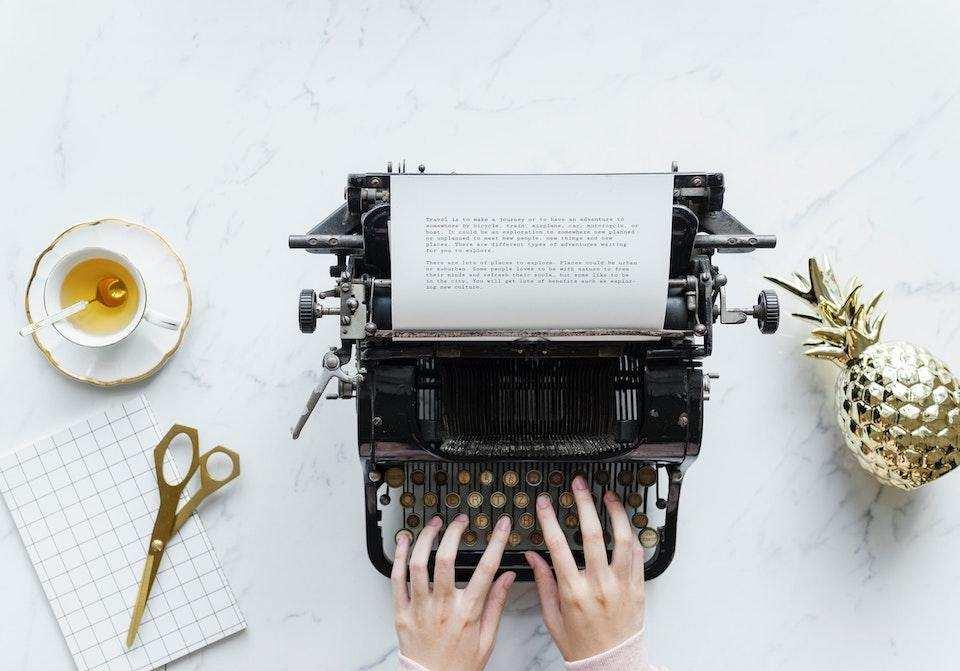 yazma becerisi nasıl geliştirilir siyah daktilo antika vintage