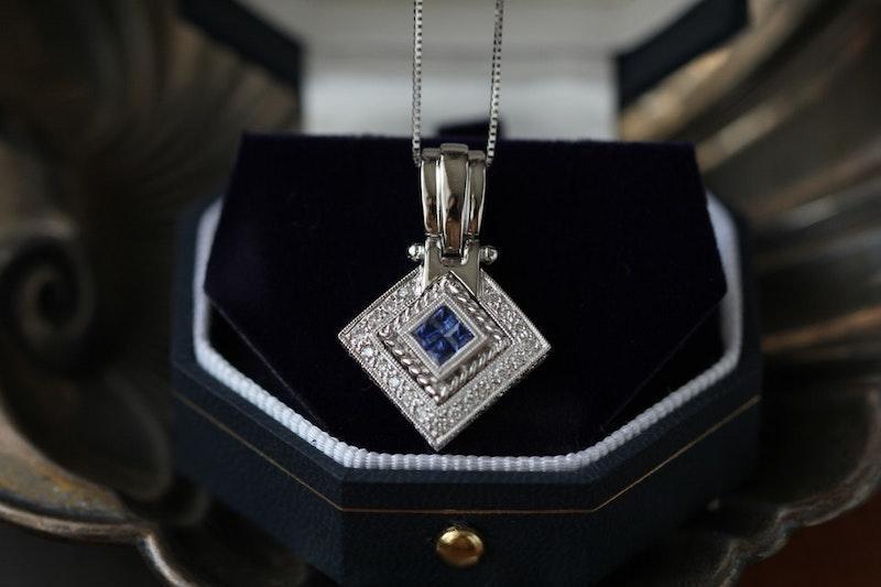 kolye mücevher