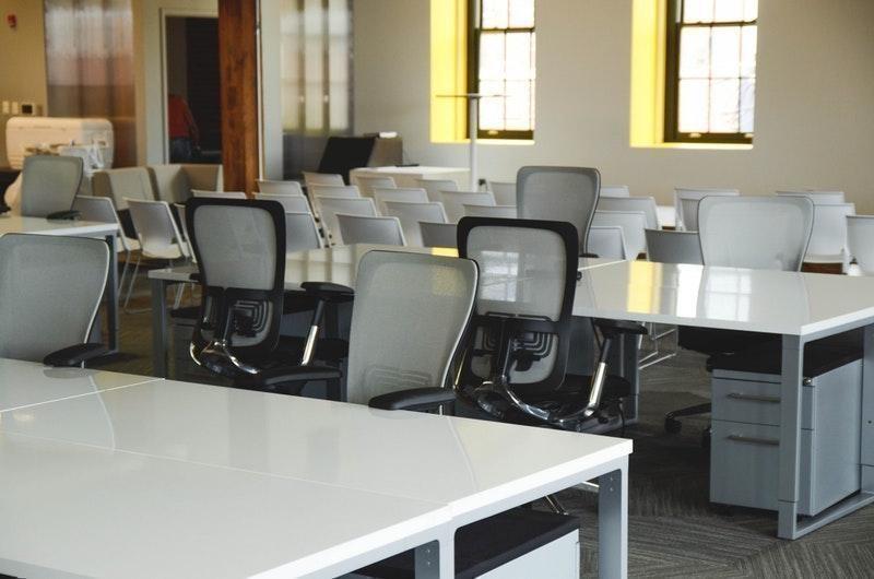 açık planlı ofis çalışma koltuğu