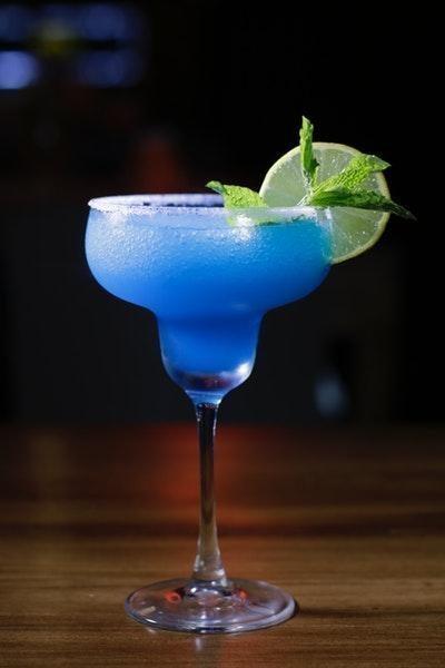 mavi kokteyl
