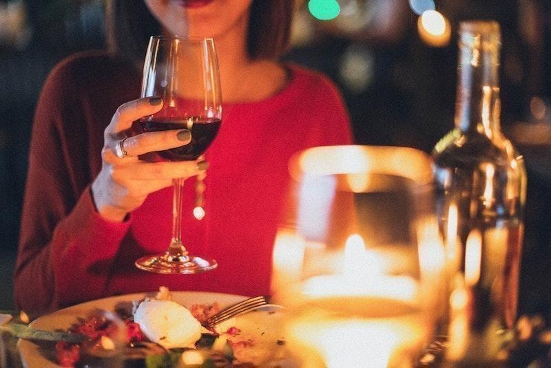 kırmızı şarap yemek