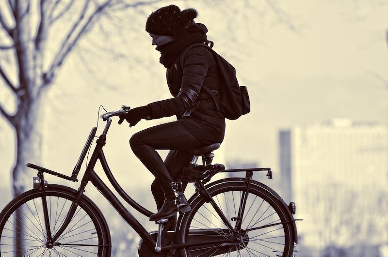 bisikletli kadın