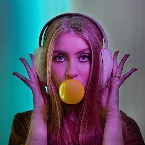 sakız kadın balon