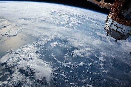 uydu dünya