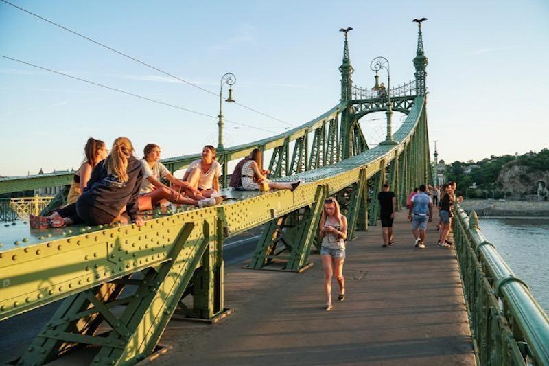 özgürlük köprüsü