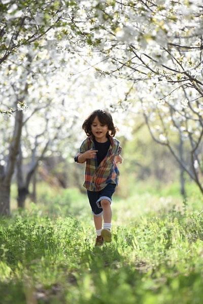 koşmak erkek çocuk