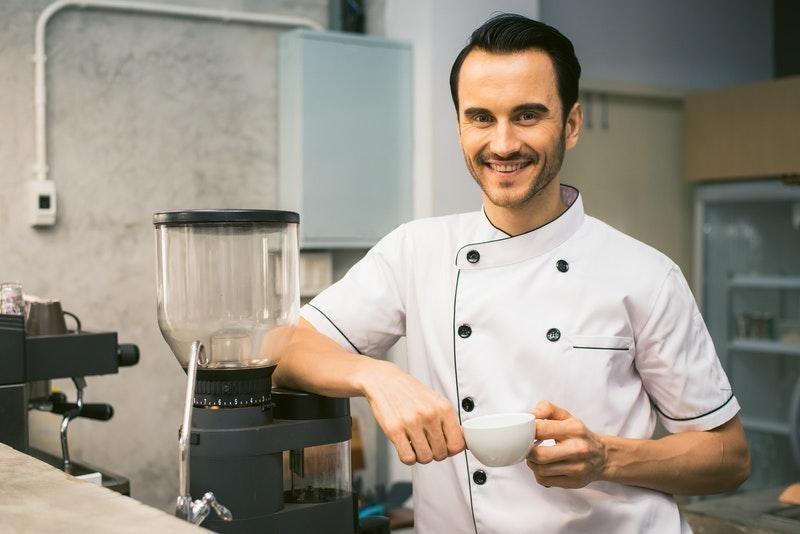 mutfak çalışanı