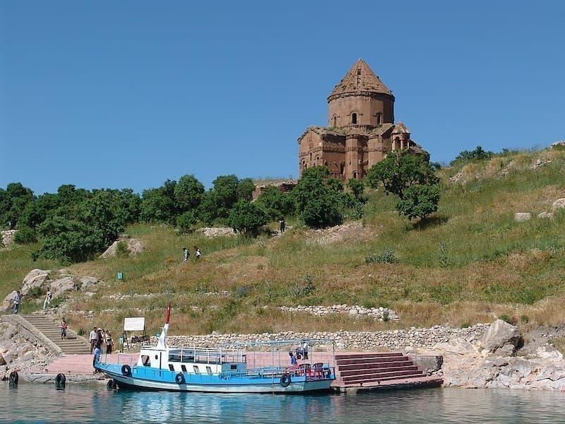 Akdamar Adası