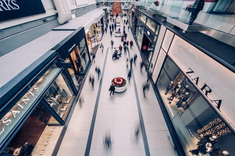 avm kalabalık alışveriş satış pazarlama