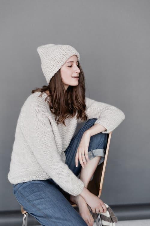 parisian parizyen woman in cashmere