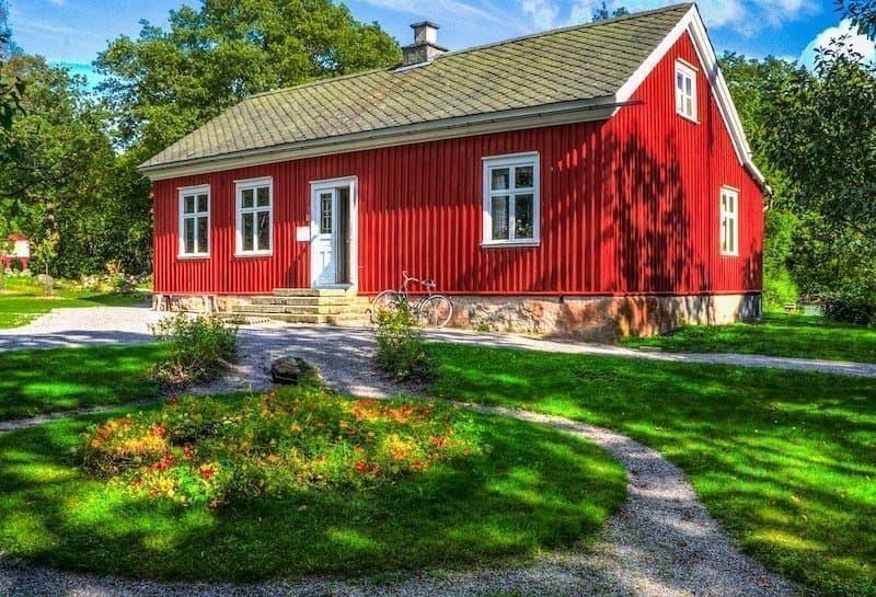 isveç kırmızı ev doğa