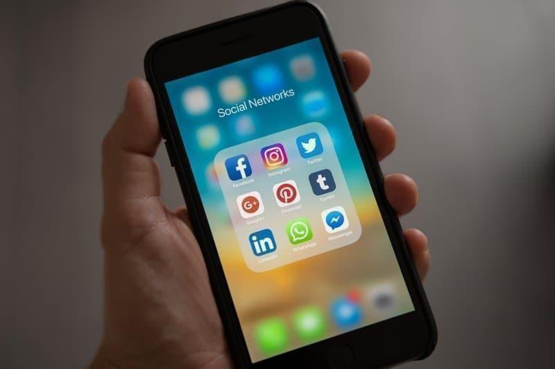 sosyal medya telefon