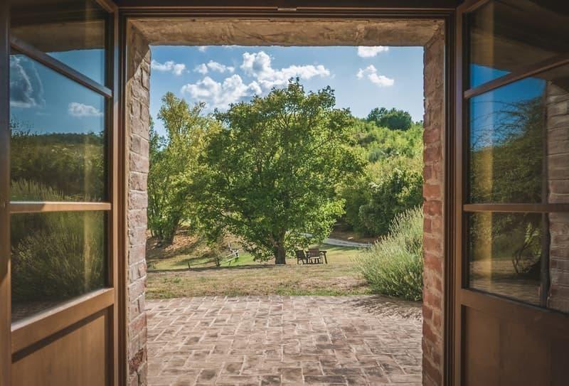 eşik kapı manzara