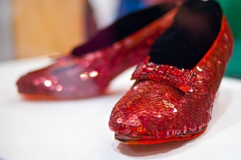 oz büyücüsü kırmızı ayakkabı