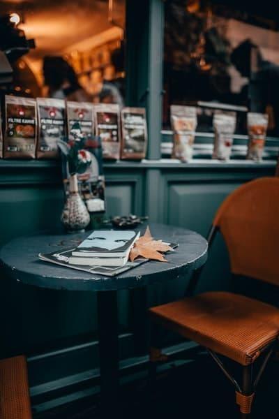 sonbahar kafe kitap