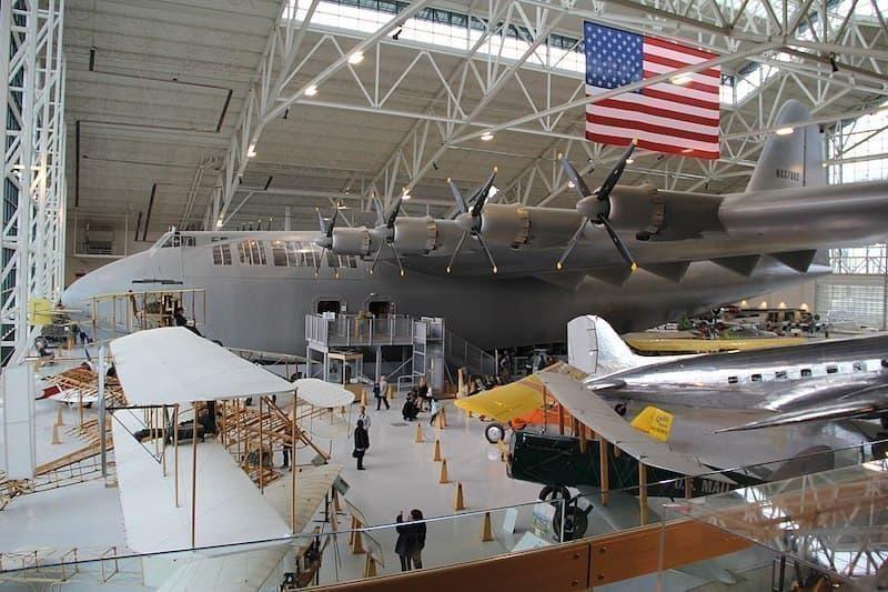 Hughes_H-4_Hercules_Spruce_Goose