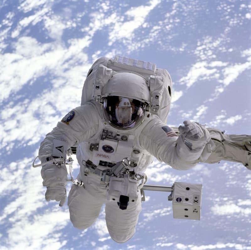 astronot uzay