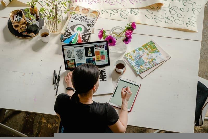 working woman creativity