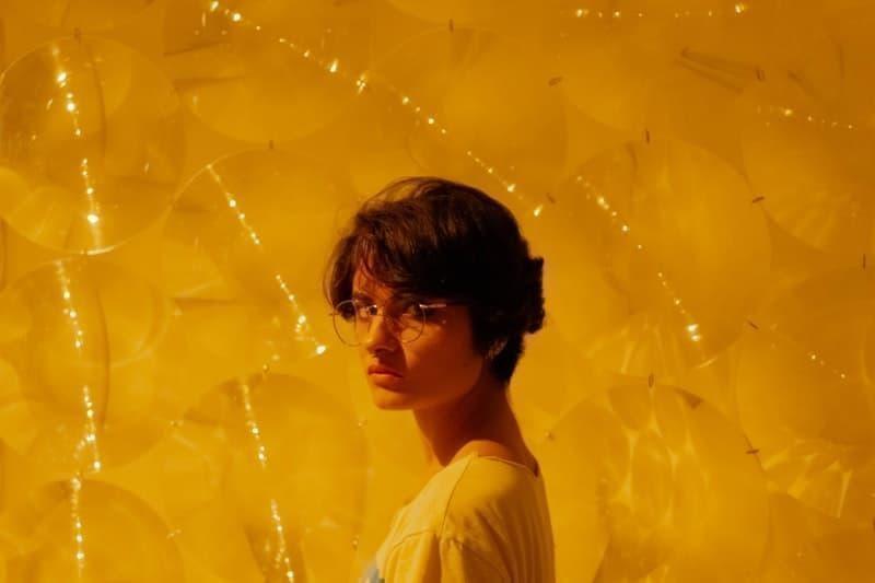 kadın sarı