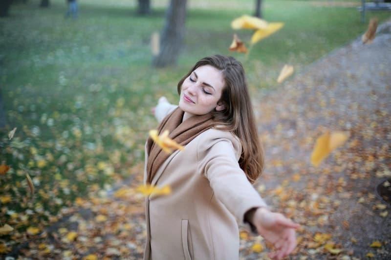 huzur mutluluk doğa kadın
