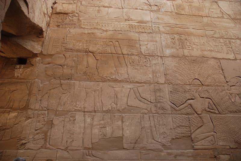 hiyeroglif mısır tapınakları