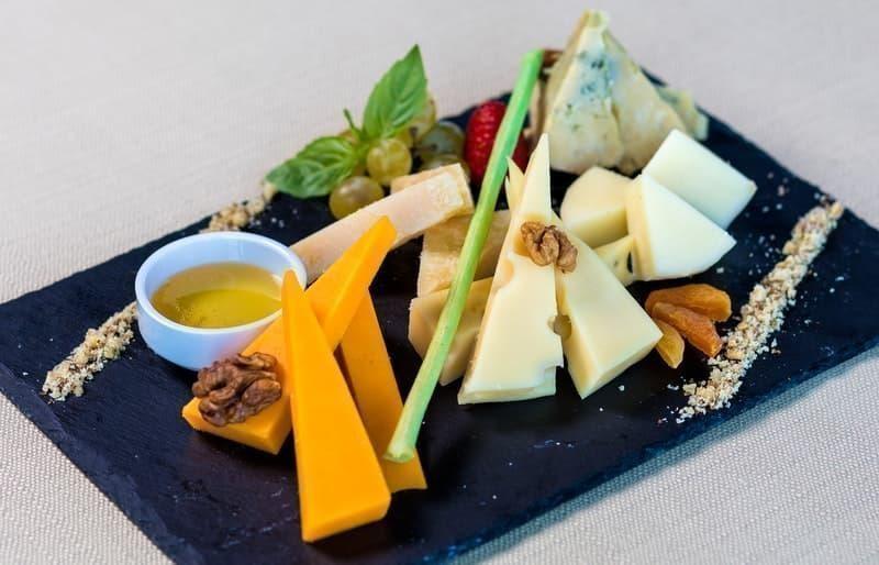 cheddar peynir tabağı